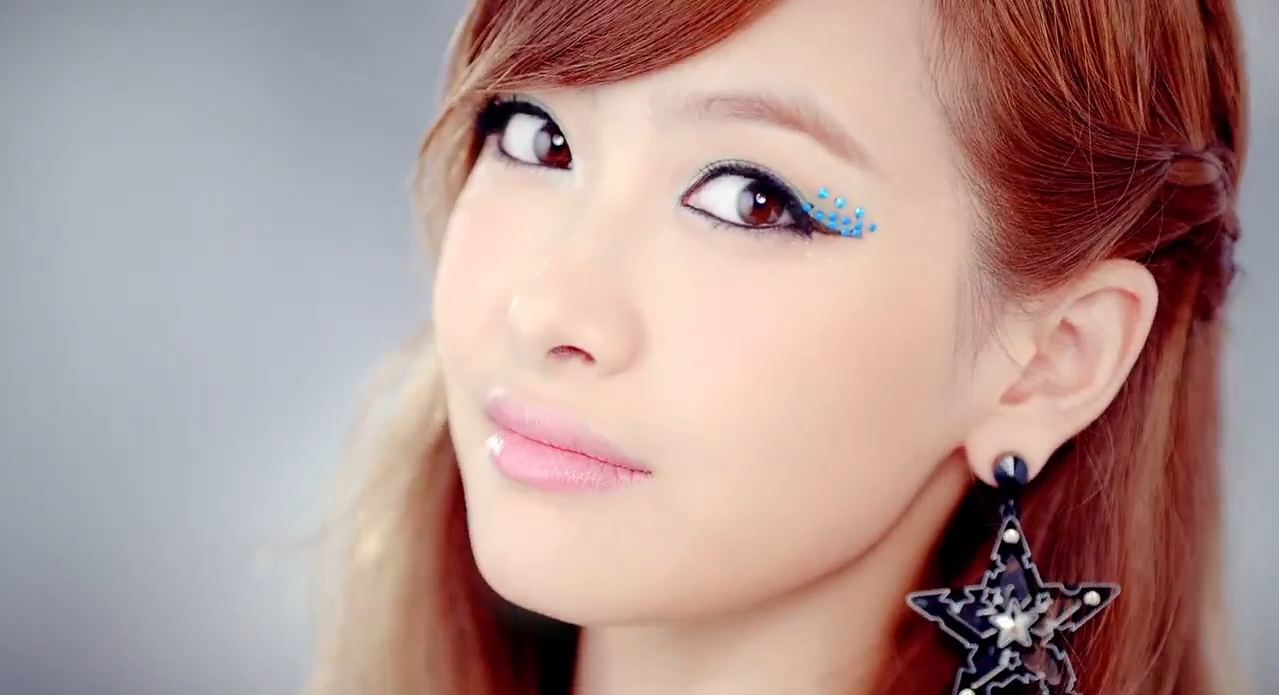"Song ""Victoria"" Qian"