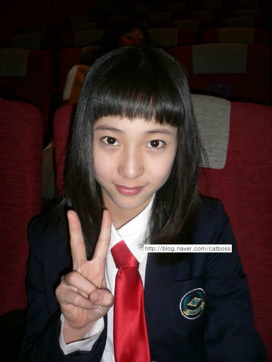 140204 f(Krystal) = Unseen Pre-Debut Pictures [9P] – f(♥) F(x) Amber Pre Debut